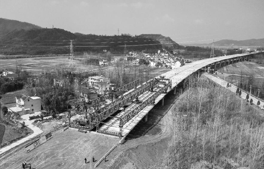 池祁高速秋浦河特大桥完成架设